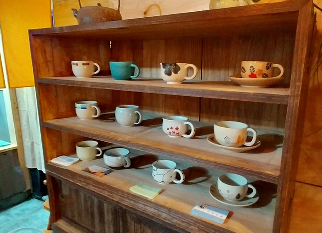 岩槻区 カフェ ChaTora(手作りカップでお茶が飲めます)